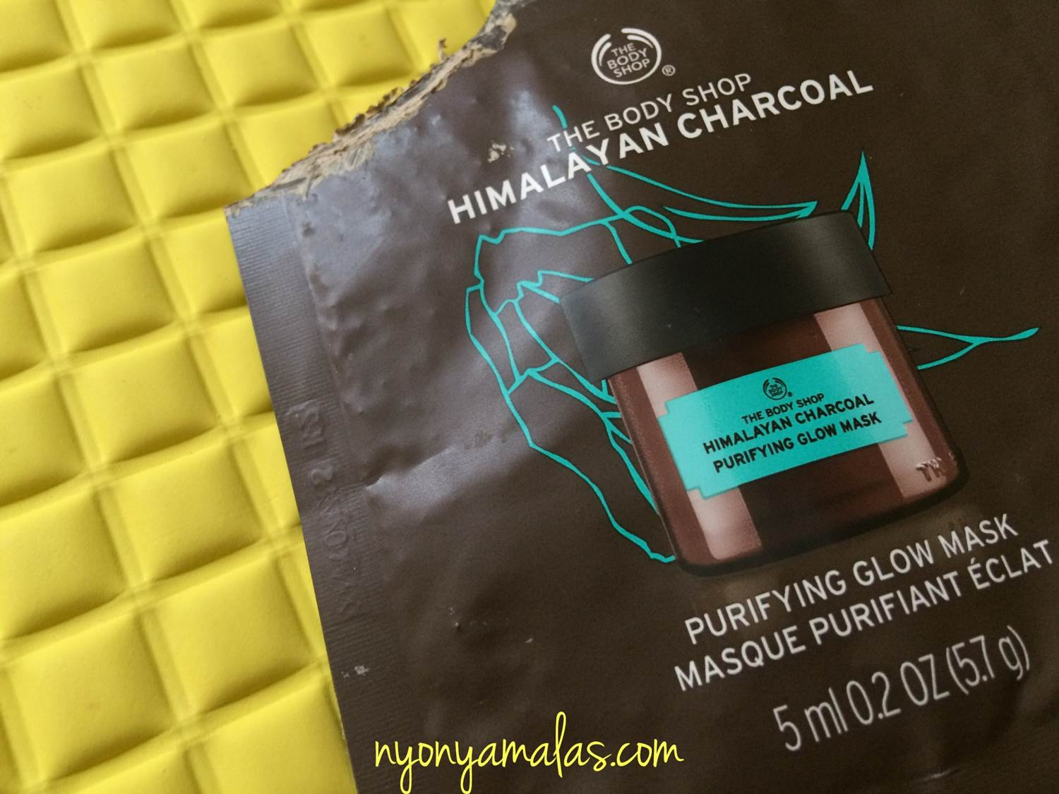 the-body-shop-himalayan-charcoal-mask